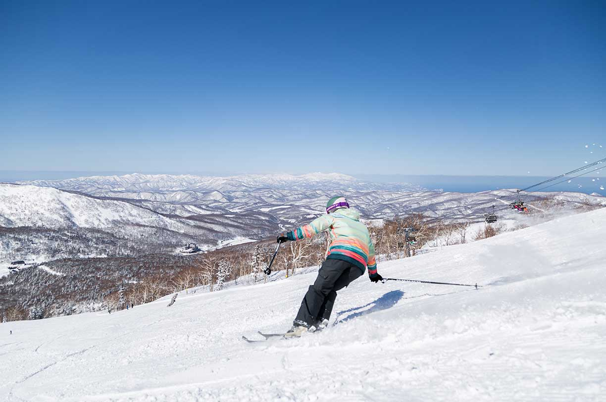 Top 7 Reasons to Consider a Spring Ski Holiday in Niseko