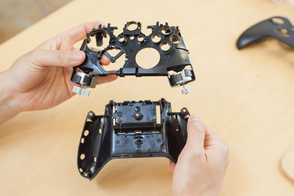 Xbox One controller vibration motors