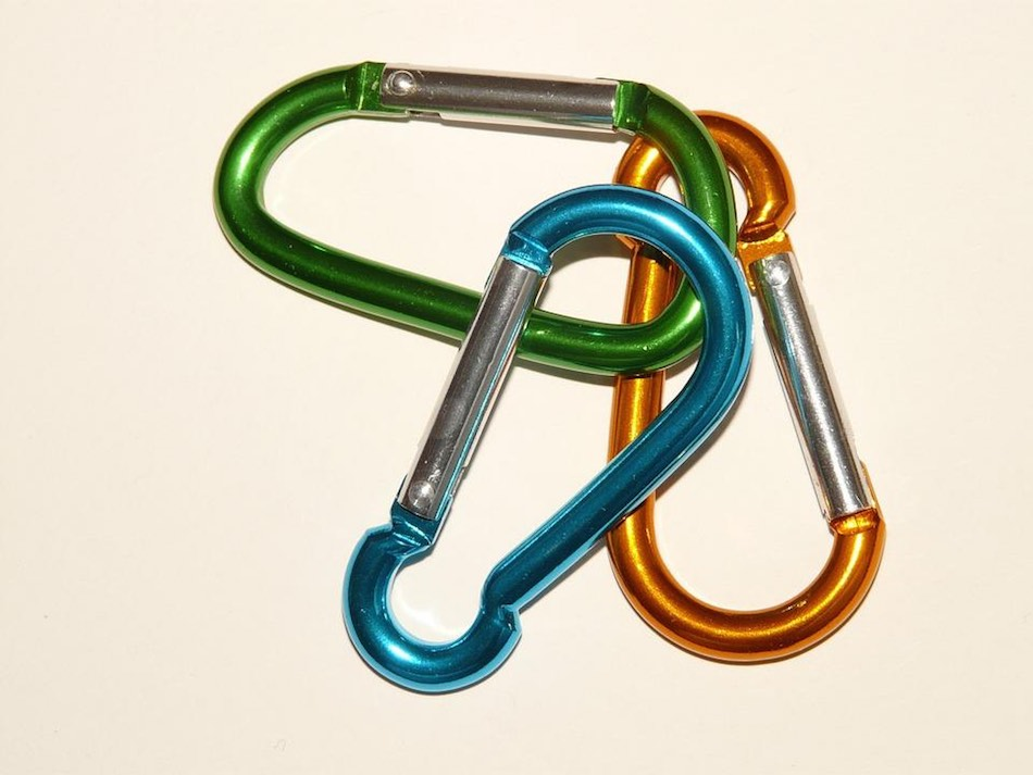 aluminum carabiners that have been anodized and dyed different colors