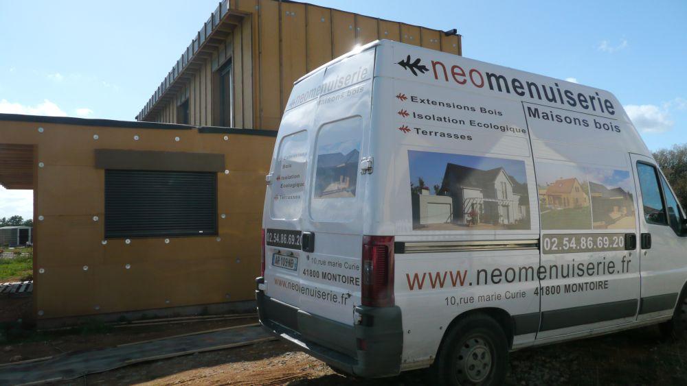 MOB témoin Néomenuiserie avec plancher chauffant Caleosol et pompe à chaleur monobloc