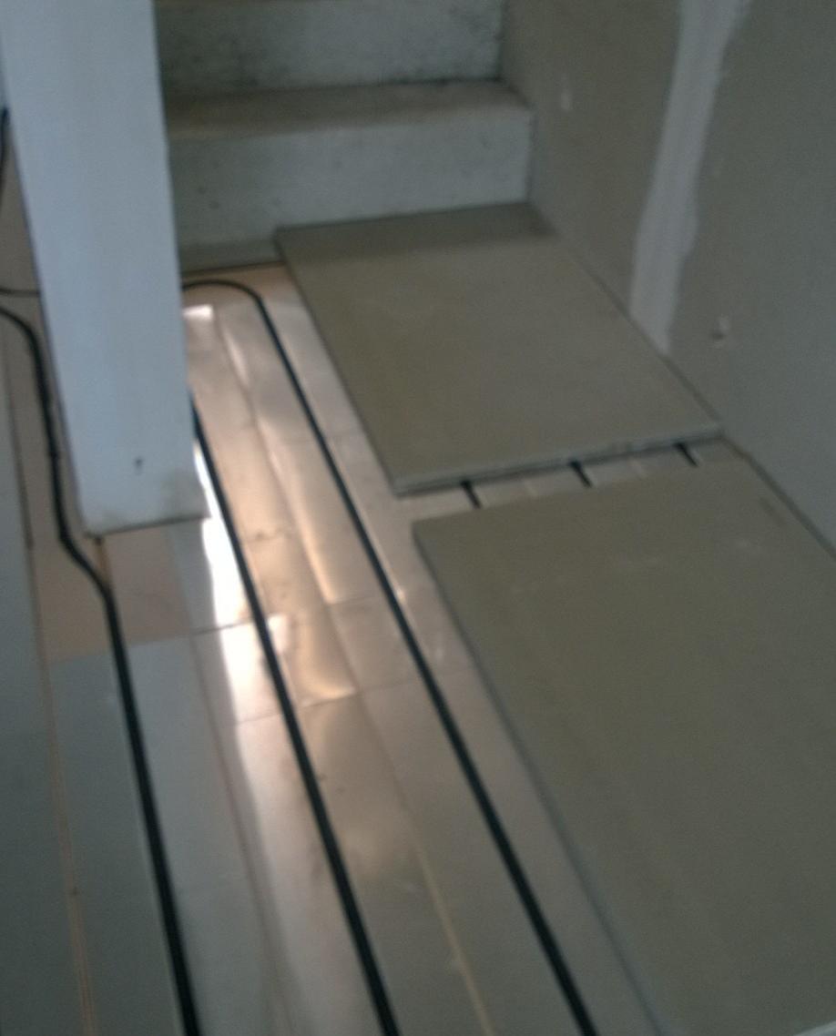 Pose de carrelage sur plancher chauffant le plancher for Carrelage plancher chauffant