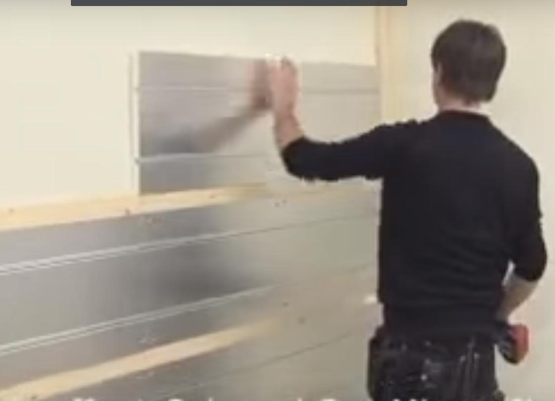 Pose soubassement mural chauffant en staff