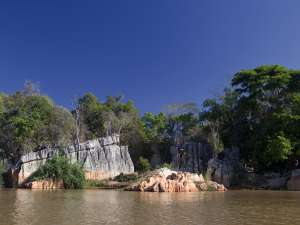 trip192_7_madagaskar_manambolo_ river