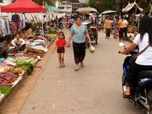 trip184_7_laos_markt