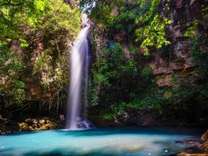 trip299_CostaRica_Wasserfall_pb