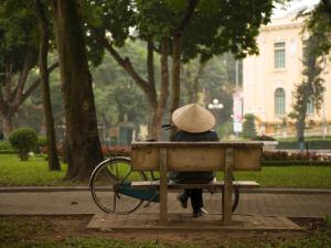 trip352_Vietnam_FrauFahrradHanoi_us