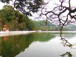 trip377_srilanka_kandy-see_pb
