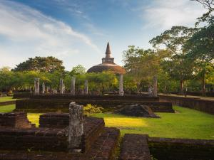 trip377_srilanka_ruinen-in-polonnaruwa_ia