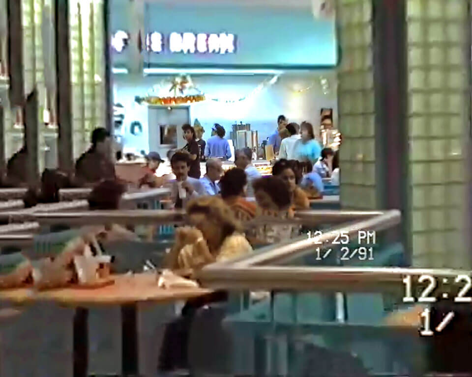 "Foto vieja del ""Coffee Break"" en Plaza Carolina en el 1991, Carolina, Puerto Rico."