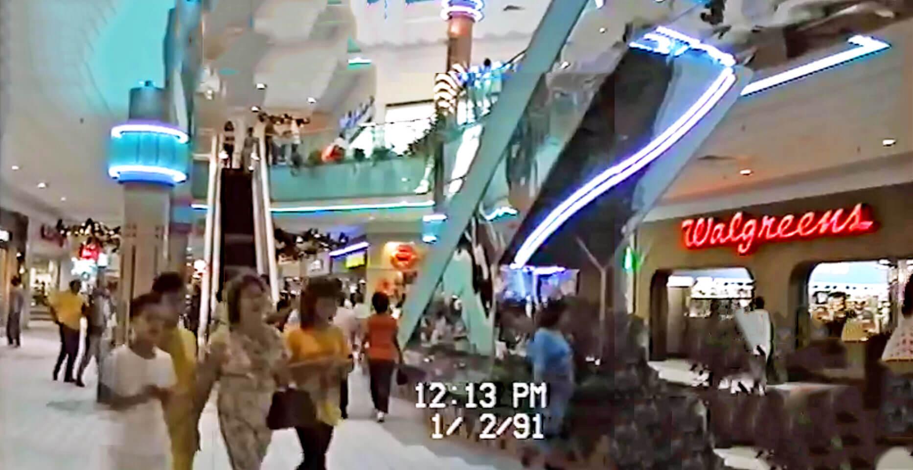 Foto vieja de Walgreens dentro de Plaza Carolina en el 1991, Carolina, Puerto Rico.