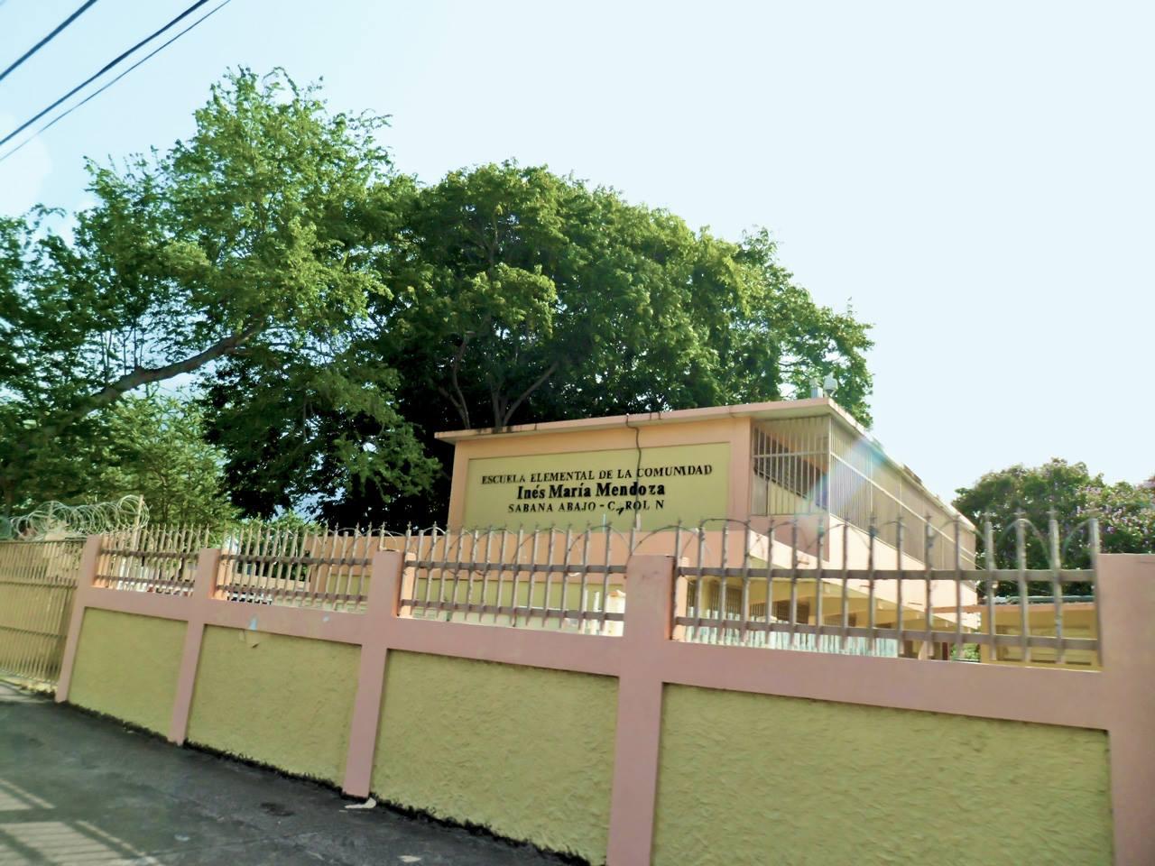 Escuela Elemental Inés María Mendoza, Sabana Abajo, Carolina, Puerto Rico.