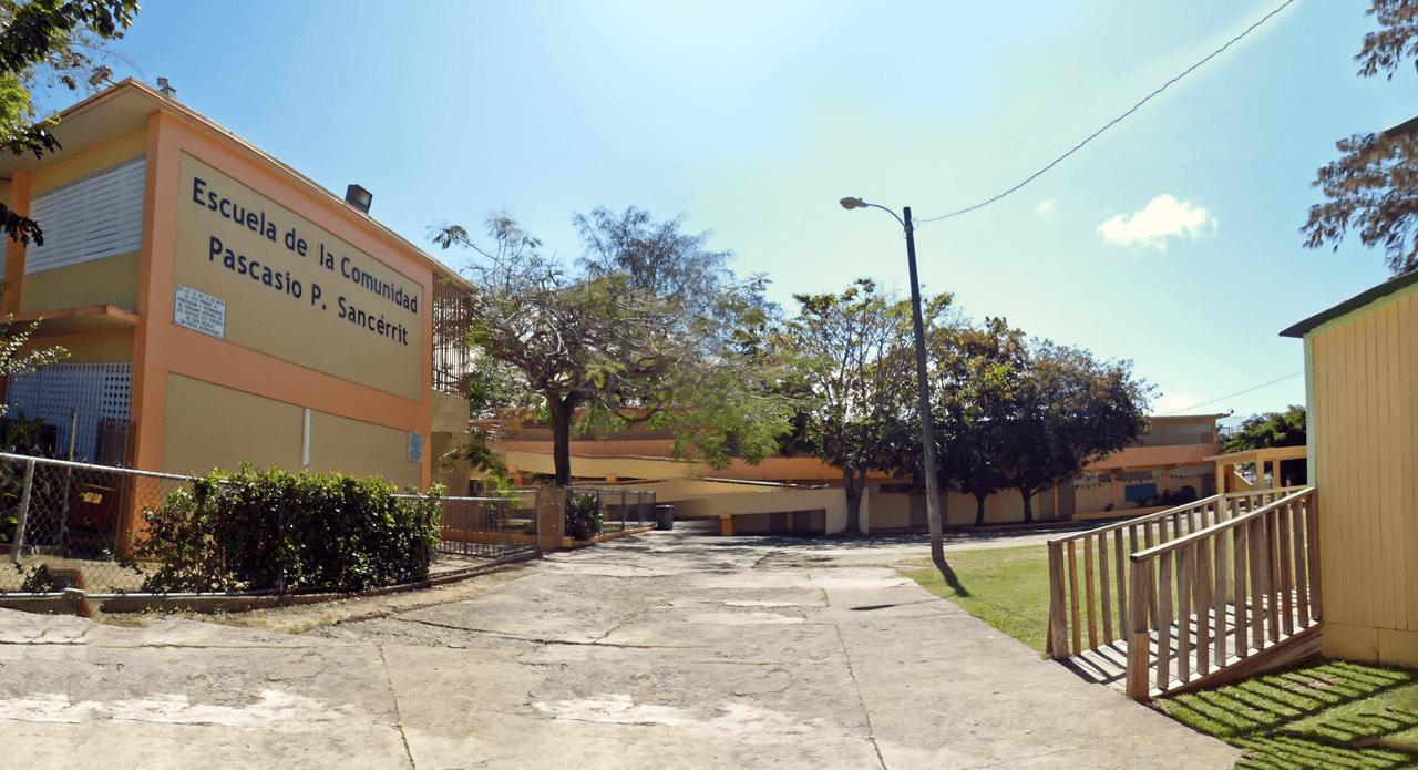 Escuela de la Comunidad Pascasio P. Sancérrit, Carolina, PR.