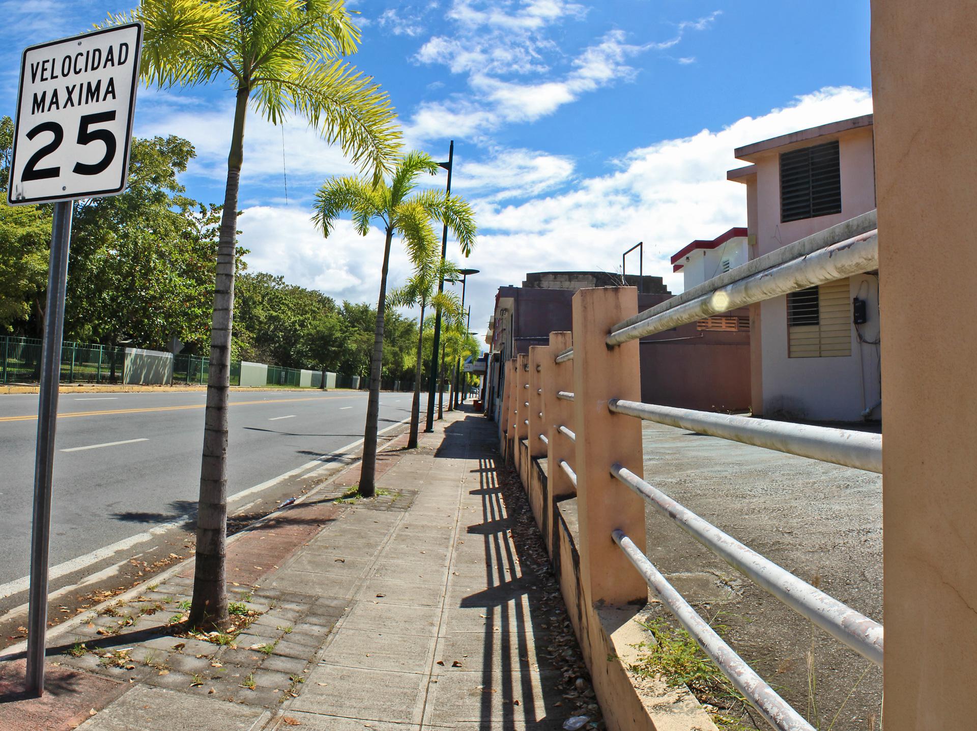 Avenida José Fidalgo Díaz, Carolina, Puerto Rico.
