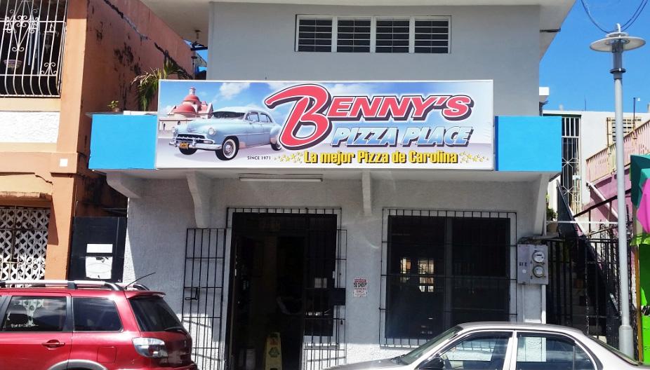 Benny's Pizza Place, Carolina, Puerto Rico.