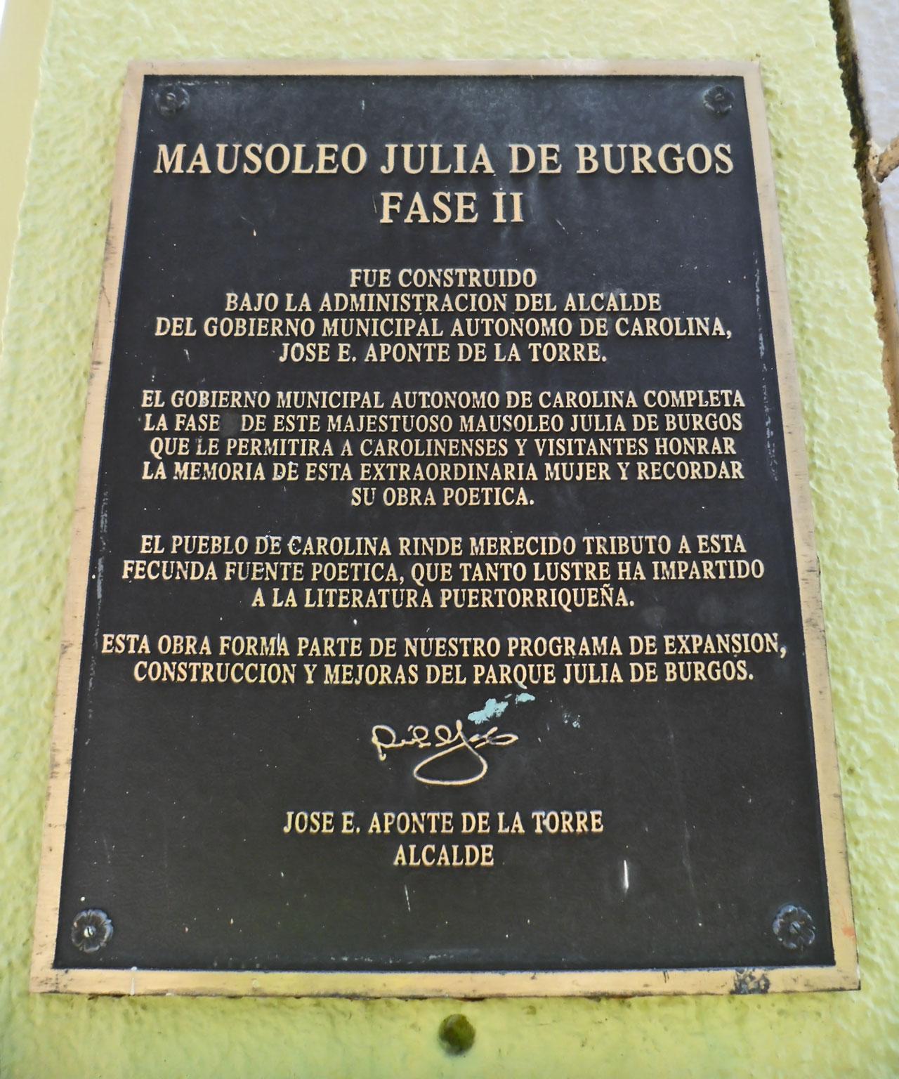 Mausoleo Julia De Burgos, Carolina, Puerto Rico.