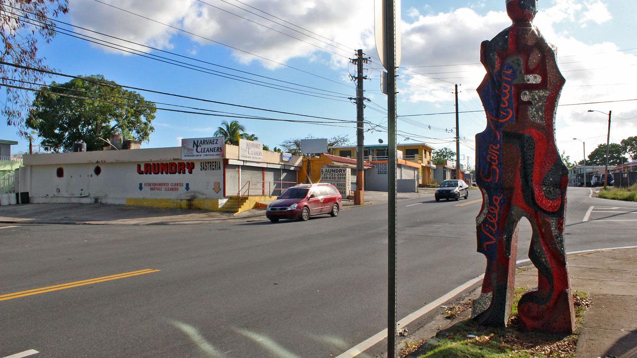 """Mosaico (Yacimiento de Gigantes) en la Villa San Antón, Carretera 848 (Juan José García Ríos """"Chejuan""""), San Antón, Carolina, Puerto Rico."""