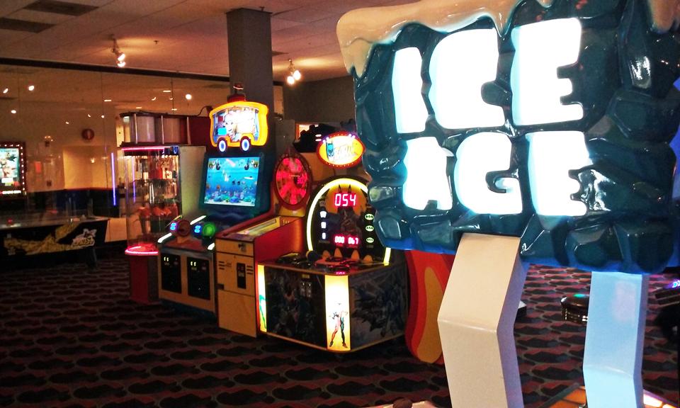 Arcade (maquinitas) en cine Caribbean Cinemas, Plaza Escorial, Carolina, Puerto Rico.