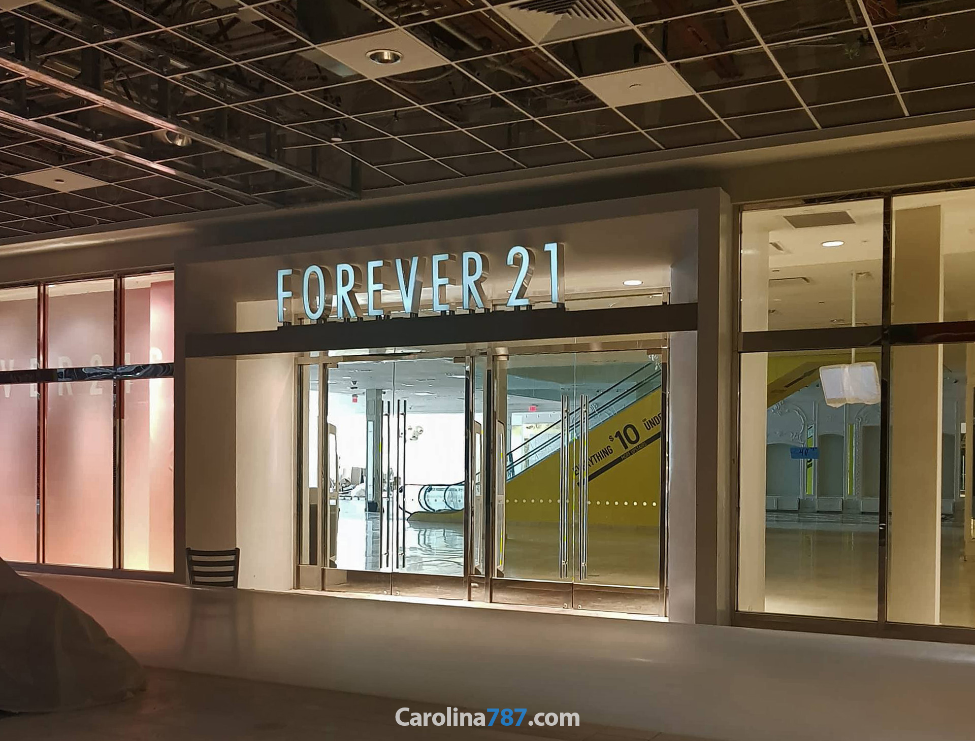 Forever21 de Plaza Carolina tras el paso del Huracán María en septiembre del 2017.