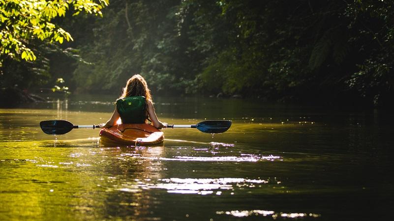 kayacking in laos.