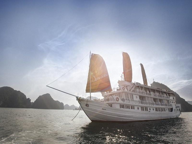Aphrodite cheap Halong Bay cruise boat