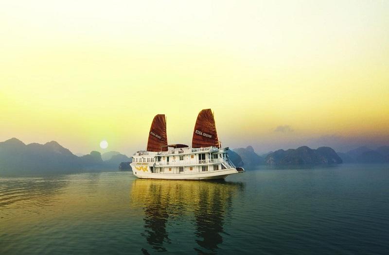 Rosa Cruise boat