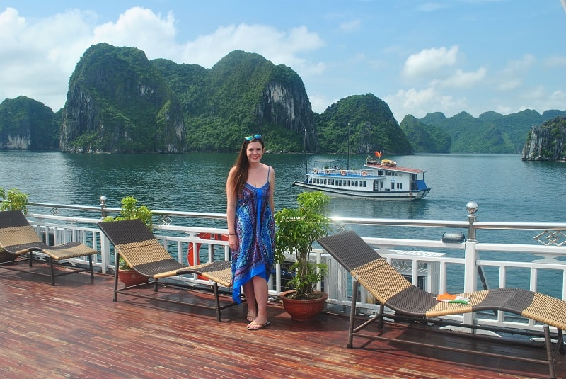 Best Halong Bay Cruise For Backpackers 6 Discount Tips
