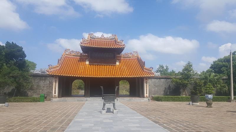 Hue pagoda tomb