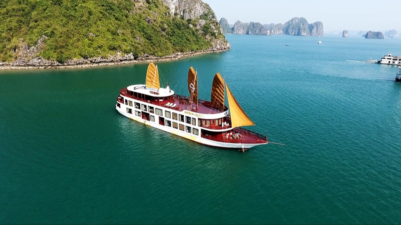 Emperor Cruise, most luxurious Halong Bay cruise