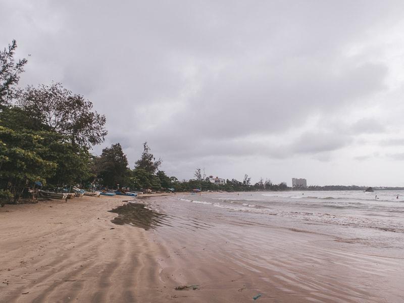 beaches in mirrisa