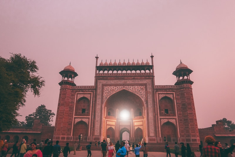 entrance to taj mahal east gate