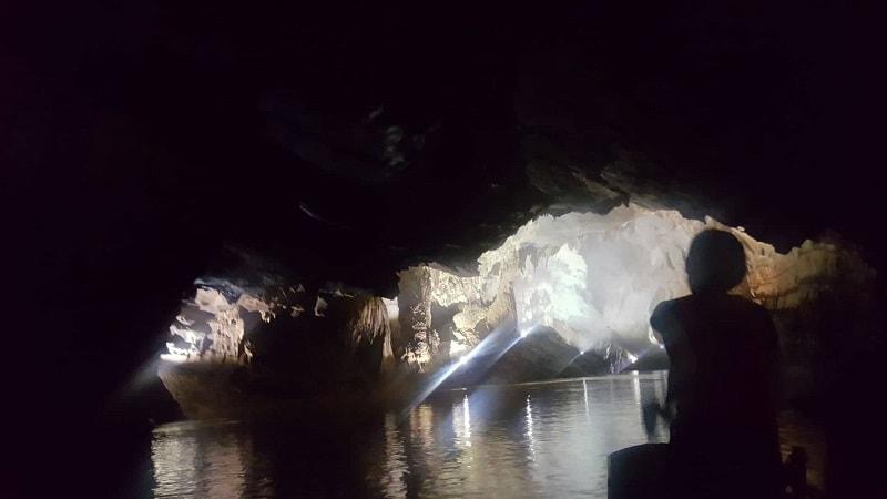 sailing down phong nha caves