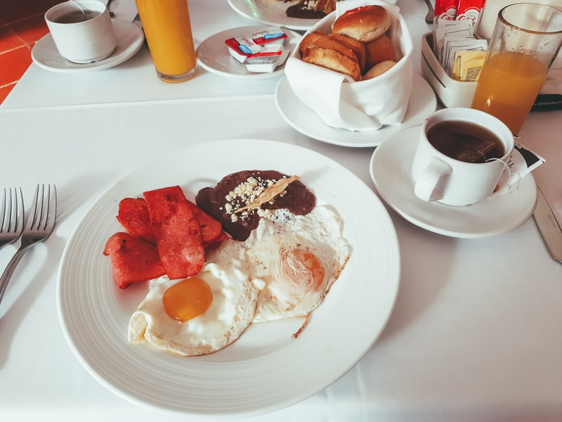 breakfast at hotel mision