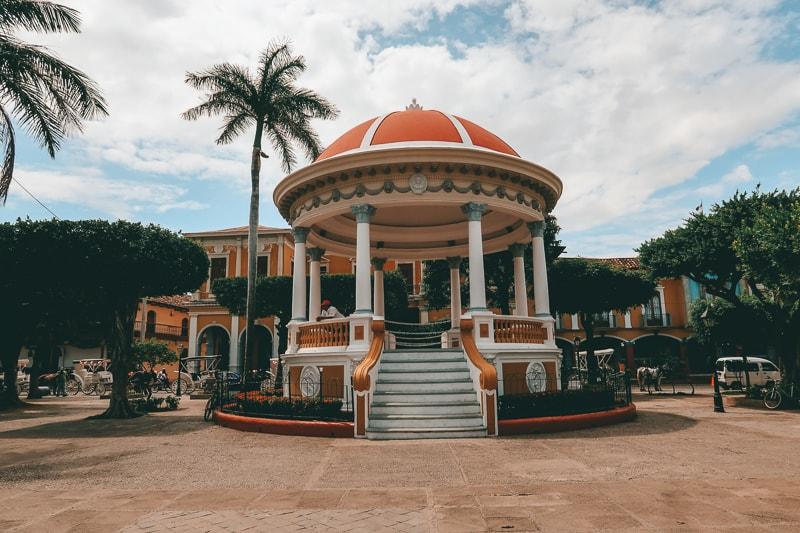 plaza granada nicaragua