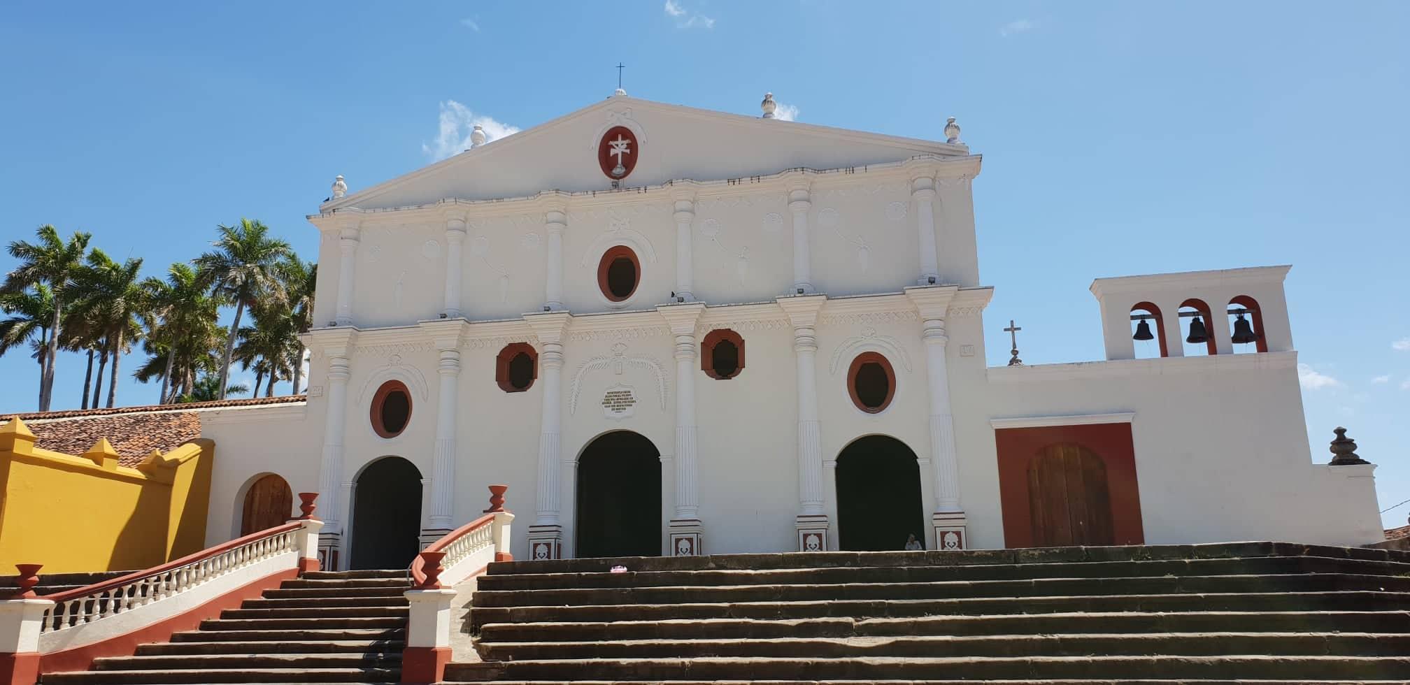 churches in granada