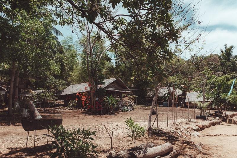 bali beach huts in Coron