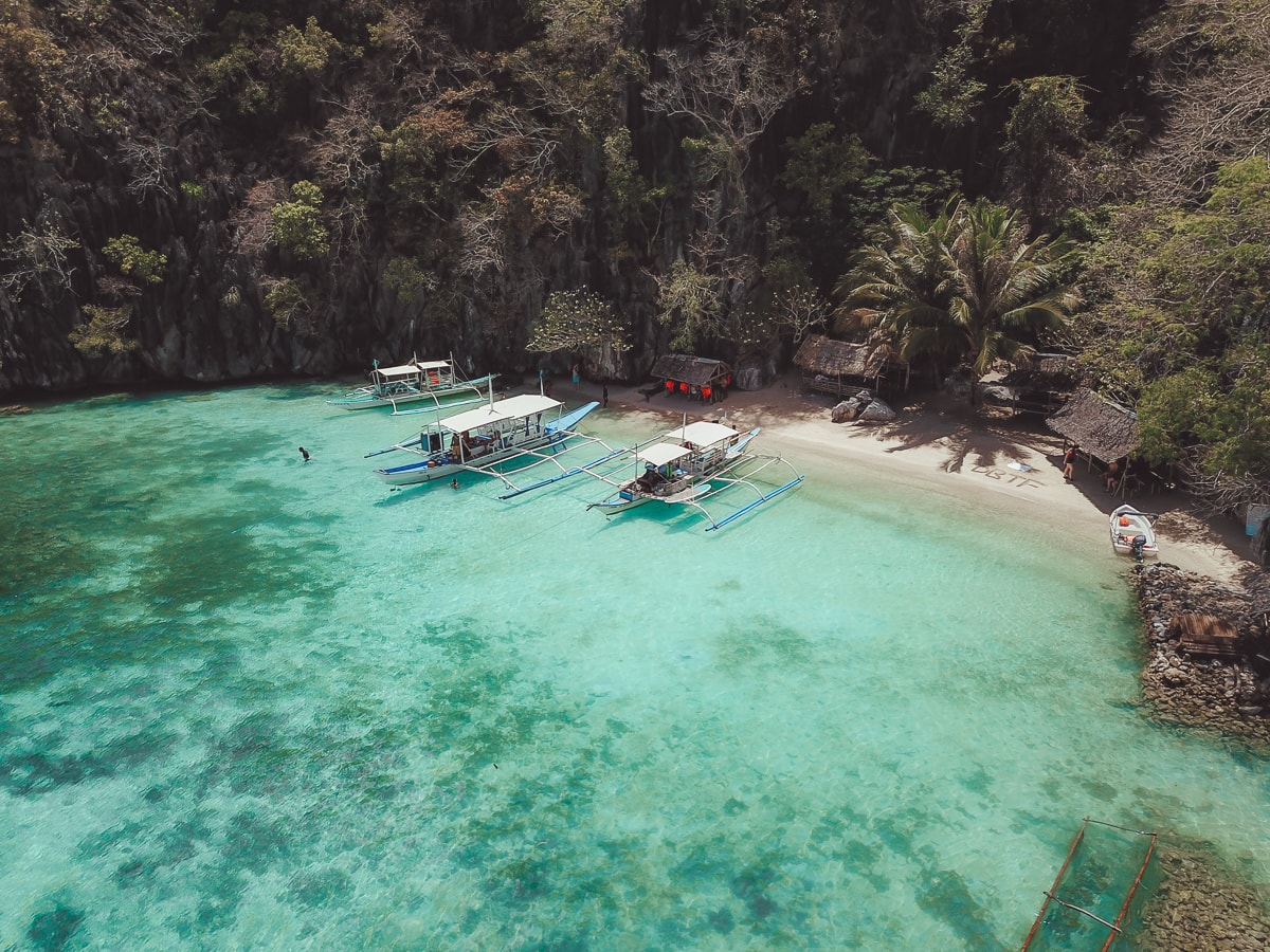 beaches in coron