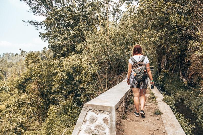 walk to secret waterfall