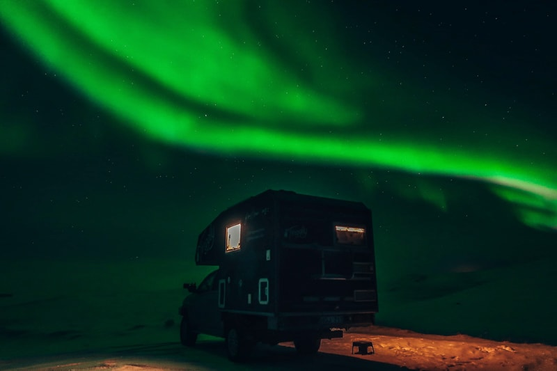 tinggly van with nothern lights