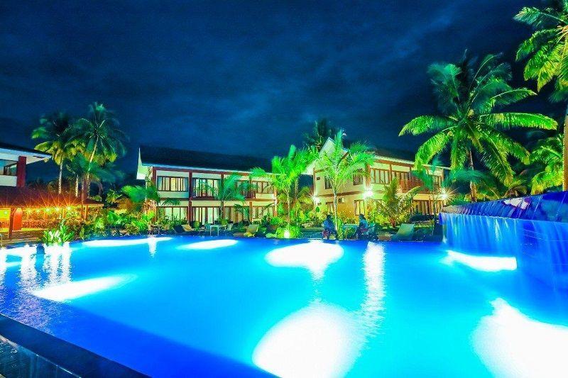 Retreat Siargao Resort swimming pool