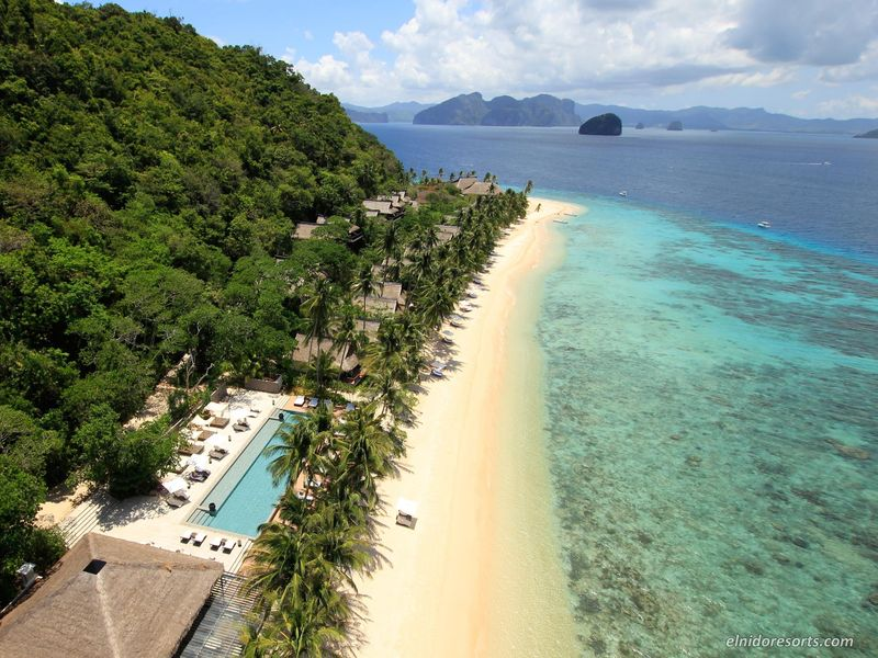 drone shot El Nido Resorts Pangulasian Island