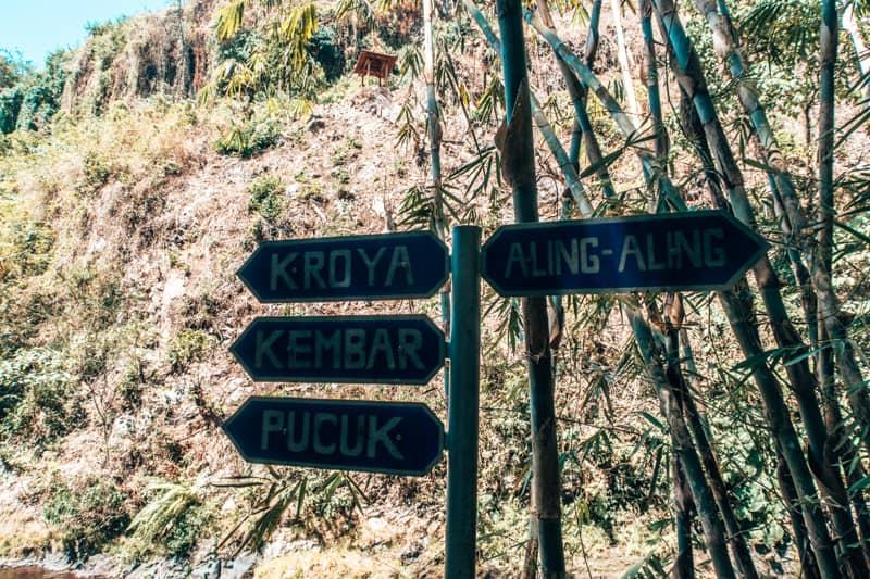 signs at aling aling