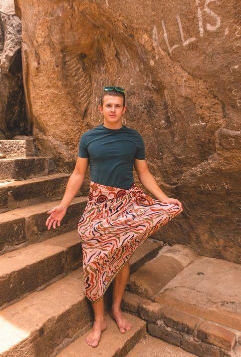 temple dress wear Sri Lanka