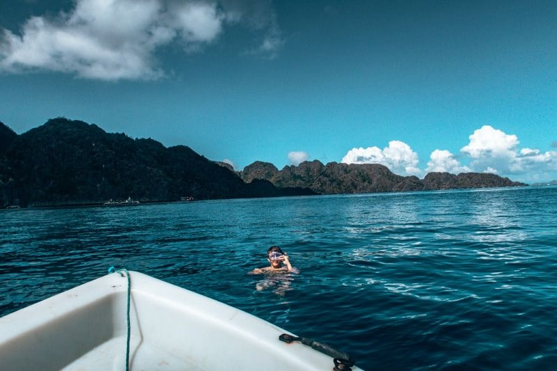 snorkelling in the philippines