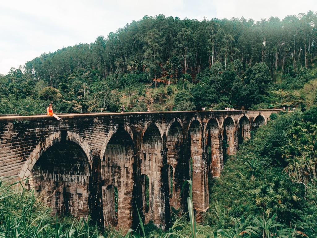 photospots at nine arch bridge ella