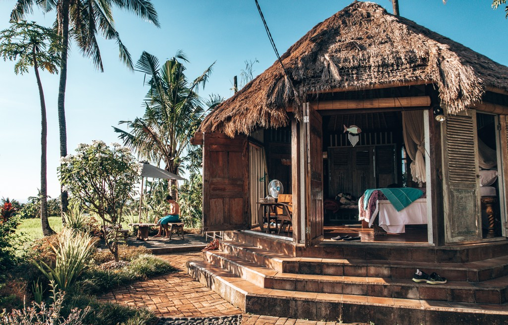 airbnb in indonesia