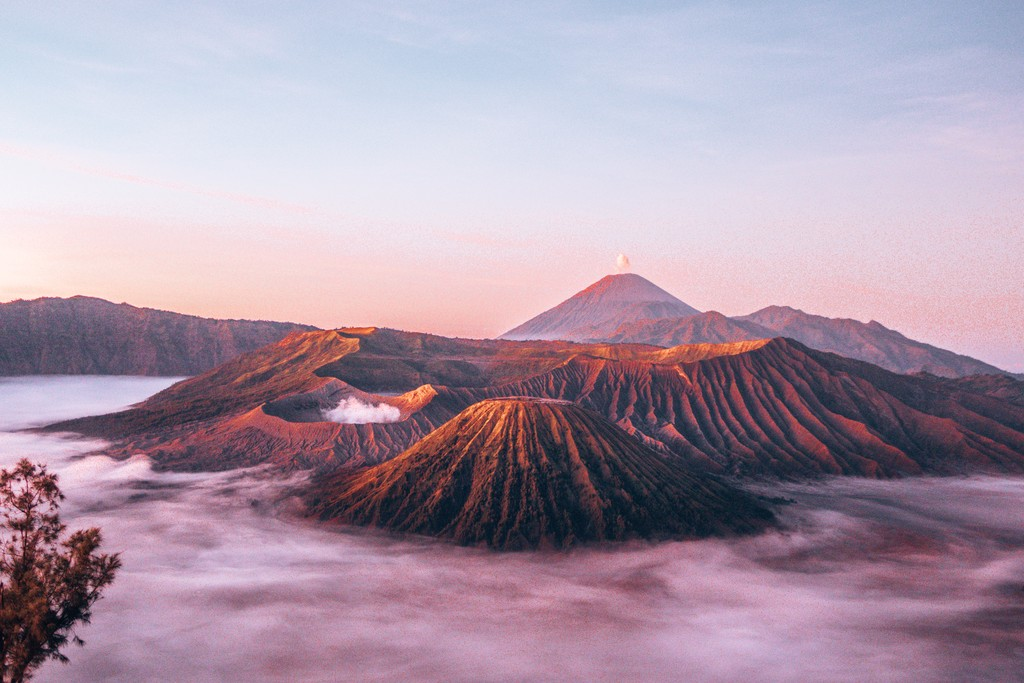 travel pictures in indonesia