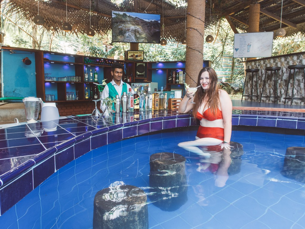 cocktails at sunduras resort and spa