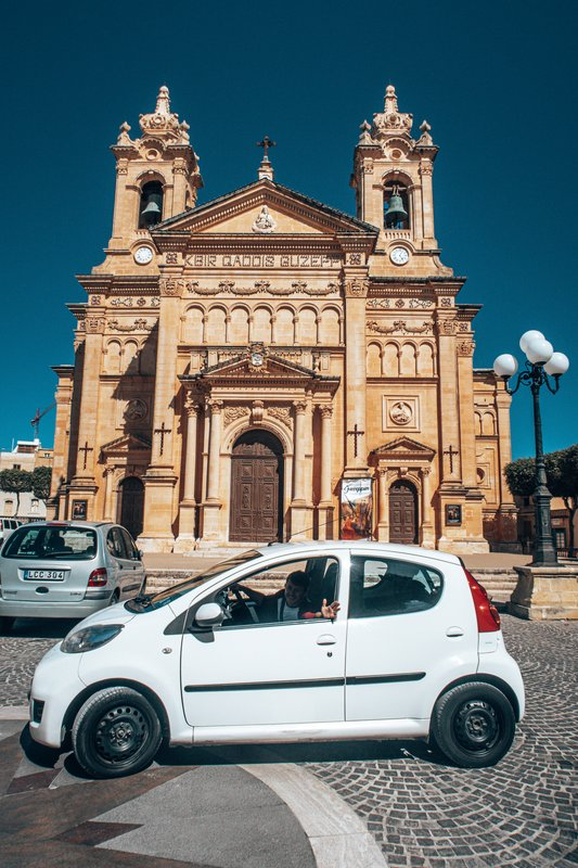 renting a car in malta