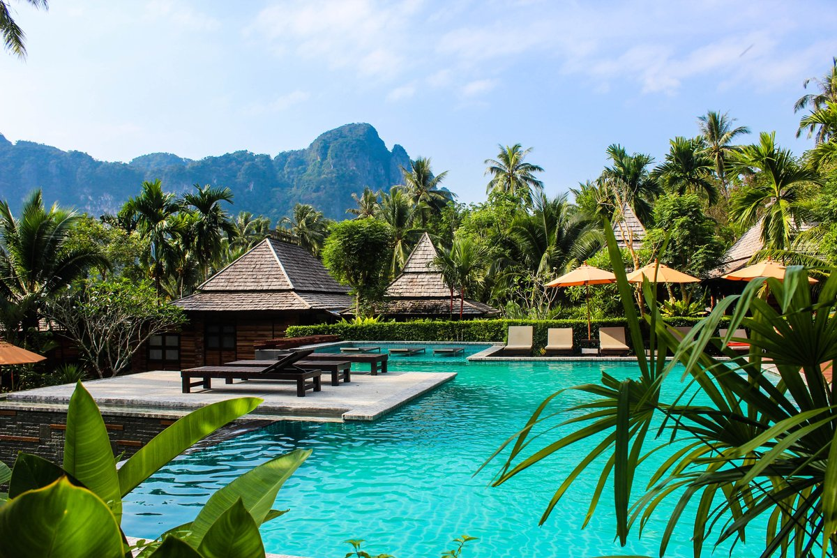 private pool villas thailand