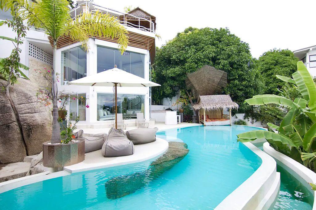 Sunshine Ocean View Villa in Thailand